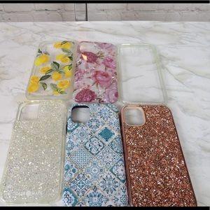 6 iPhone 11 cases